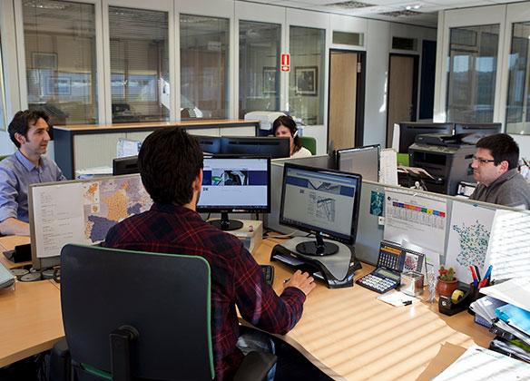 Trabajadores en la oficina